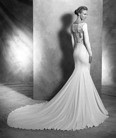 Vania, manga larga vestido de CREPE, para la novia elegante