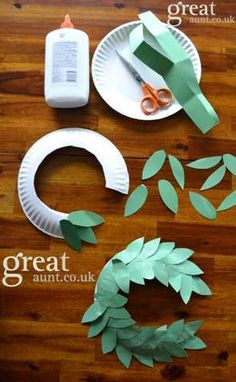 How to make Laurel Crowns! We made these at our VBS.....very easy and fun.