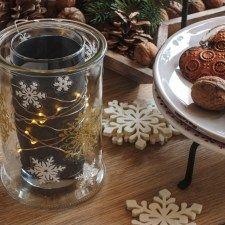 RYCHLÝ SLUNEČNICOVÝ CHLÉB - Inspirace od decoDoma Coffee Maker, Candle Holders, Kitchen Appliances, Jar, Candles, Decor, Coffee Maker Machine, Diy Kitchen Appliances, Coffee Percolator