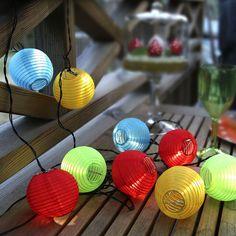 Decorar con guirnaldas led para el jardín - https://decoracion2.com/decorar-guirnaldas-led-jardin/ #Guirnaldas_Para_Iluminar, #Iluminación_Exterior, #Luces_LED