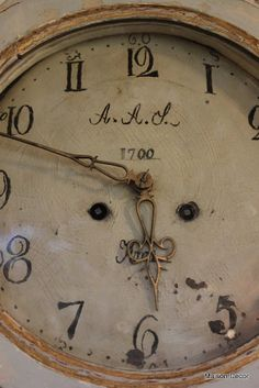 This is the most beautiful clock face I have ever seen with it's lovely handwritten numbers....