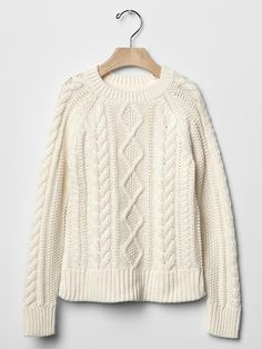 Cable sweater Product Image