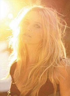 Sleepy Beach Editorials - The Reese Witherspoon February 2011 Elle Magazine Shoot Screams Summer