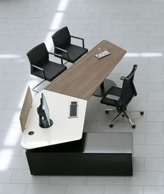 T-Front   Office-Bene-Kai Stania
