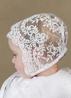 Victorian Vintage Clothing at Vintage Textile: #6214 Valenciennes lace bonnet