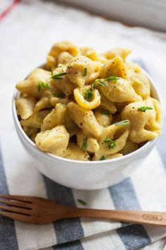 Cauliflower Mac & Cheeze - lightened vegan mac and cheeze made with cauliflower is creamy and rich, (Cheese Making Nutritional Yeast)