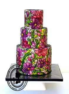 Beautiful stained glass cake by Queen of Hearts Couture Cakes in London.  A lovely choice for a contemporary wedding or special occassion.