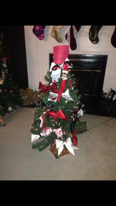 Elf Cheerleading now tree