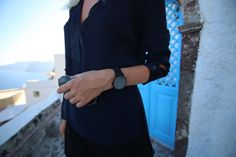 Swedish Elsa Ekman wearing the Läder | Svart in Santorini.