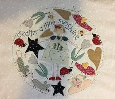 This amazing photo can be an inspirational and exceptional idea Cat Applique, Applique Quilt Patterns, Applique Fabric, Colchas Country, Country Quilts, Patch Quilt, Quilt Blocks, Annie Downs, Aplique Quilts