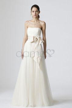 Empire Taille Außen Halle A-Linie Tüll bodenlanges trägerloses Brautkleid