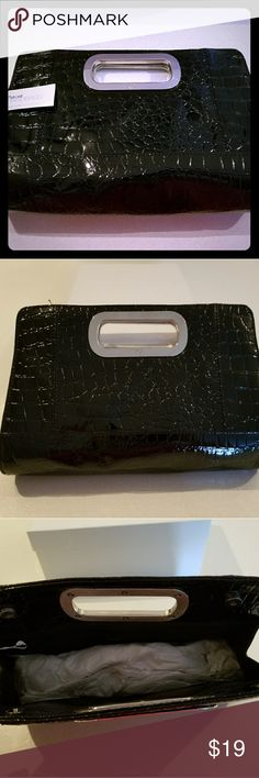 NWT New York and Company Clutch Beautiful Patent (not leather) clutch! New York & Company Bags Clutches & Wristlets