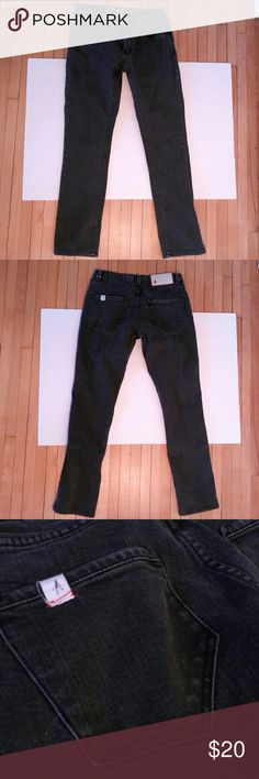 Altamont A Reynolds Alameda Fit Mens Jeans Altamont A Reynolds Alameda Fit Mens Jeans Very good condition. These are black, size 28x30 skinny fit.   Fast Shipping Cute packaging Open to offers Altamont Jeans Skinny