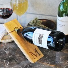 Personalized Counter Balance Wine (Red) Bottle Holder (B) (Wood)