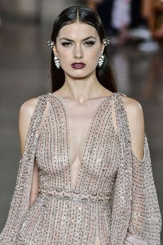 The World's Fashion Business News Fashion Oops, Foto Fashion, All Fashion, Curvy Fashion, Fashion Outfits, Georges Hobeika, Sexy Dresses, Pool Party Outfits, Dress Bra