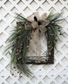 Picture Frame Wreath, Christmas Picture Frames, Homemade Christmas Decorations, Xmas Decorations, Rustic Christmas, Christmas Diy, Christmas Ornaments, Twig Wreath, Door Wreaths