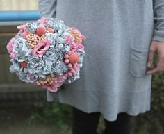 pink, peach and grey flower bouquet