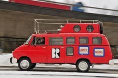 """""""Das feuerrote Spielmobil"""" - eine Kindersendung alternativ zur """"Sesamstraße"""", die in Bayern Anfang der 70er nicht ausgestrahlt wurde, u. a. wegen Aufklärung, respektlosen Verhaltens einiger Kinder aufgrund von antiautoritärer Erziehung, etc."""