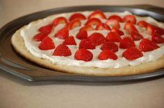 Rada Cutlery: Valentine's Day Treat: Strawberry Pizza. The perfect, simple Valentine's Day treat to share!