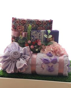 Wedding Gift Wrapping, Wedding Gift Boxes, Wedding Keepsakes, Rustic Wedding Gifts, Wedding Crafts, Wedding Decorations, Wedding Hamper, Wedding Wows, Groom Looks