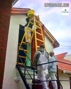 How many Health & Safety fails can you spot in this picture? #HealthAndSafety #Fail www.envirocare.org