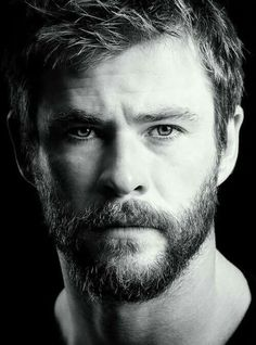 Chris Hemsworth - The Thor movies are awesome! I love Norse mythology and I love the Avenger character Thor. Chris Hemsworth Thor, Hemsworth Brothers, Australian Actors, Celebrity Portraits, Marvel Actors, Jolie Photo, Black And White Portraits, Hollywood Actor, Male Face