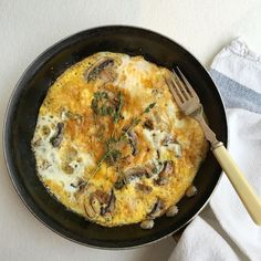 #breakfast of mushroom & thyme omelette- using @farmdrop eggs and Thyme & mushrooms from @chegworthvalley - super simple. Added a little chilli too. #healthyliving #healthyeating #paleo #protein #vegetarian #leanmeals #lowcarb #londonfoodie #weightloss #fatloss #local #fitfam #fresh #dairyfree #glutenfree #nutrients #musclefood