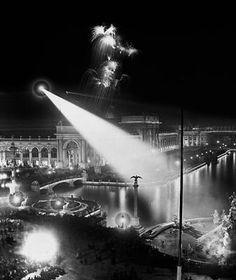 Tesla Spotlight at The World's Fair: Columbia Exposition – Chicago 1893  Copyright 2005 David R. Phillips