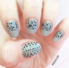Mojo Spa™   50 Shades of Grey the Mojo Way easy nailart design in gray