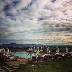 Poolside perfection! :camera:: @awruss. #poolside #carnerosinn #napa #travel #relax #positivity #wanderlust #meditation #mondaymotivation #trip #perfection #bayarea #visitnapavalley