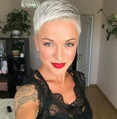 30 New Very Short Haircuts for Women – short-hairstyless… Super Short Hair, Short Grey Hair, Short Blonde, Short Hair Cuts For Women, Long Hair, Girls Short Haircuts, Short Hairstyles For Women, Pixie Hairstyles, Ladies Hairstyles