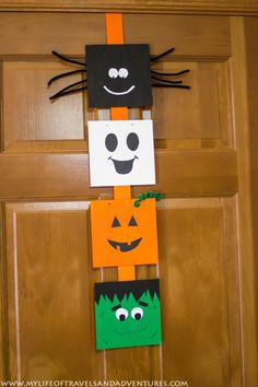 My Life of Travels and Adventures: A Quick Halloween Decoration Halloween Wood Crafts, Halloween Door Decorations, Halloween Art, Holidays Halloween, Halloween Themes, Dulces Halloween, Halloween Class Party, Manualidades Halloween, St Patrick's Day Crafts