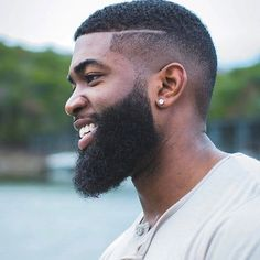 a long, healthy beard with Beard and Company's all-natural hair and beard growth serum that's formulated with the best botanical blend of essential oils that increase beard growth. Made in Colorado. Black Men Hairstyles, Afro Hairstyles, Haircuts For Men, Men's Haircuts, Men's Hairstyle, Beard Growth Oil, Beard Oil, Best Beard Shampoo, Bad Beards
