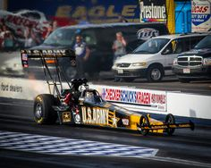 2007 Army Top Fuel Dragster driven by Tony Shumaker at Firebird Raceway.