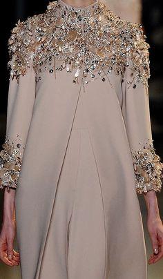 Abaya Style 397794579561472121 - Elie Saab Source by Abaya Fashion, Muslim Fashion, Modest Fashion, Couture Fashion, Indian Fashion, Fashion Clothes, Fashion Dresses, Elie Saab, Mode Abaya