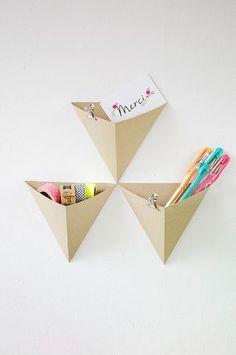 {DIY} Des rangements géométrique pour mon bureau - Places Like Heaven Diy Origami, Origami Simple, Origami Boxes, Origami Folding, Origami Paper, Diy Bureau, Diy Paper, Paper Crafts, Modern Office Decor