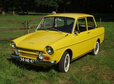 Terrific Daf Oaapis = Best Picture For Concept Cars mazda For Your Taste You are looking for something, and it is going to. Yellow Car, Mellow Yellow, Car Images, Car Photos, Images Photos, Fancy Cars, Cool Cars, Classic Trucks, Classic Cars