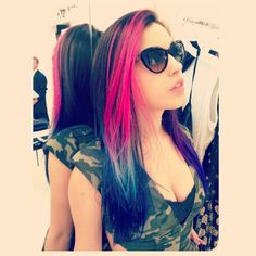 Americana hair - reddish pink, white, and royal blue, as worn by Telana, photo by Kylie Jenner