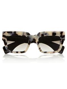 dbc6b205ef2ba Sunglasses  Top Picks   sheerluxe.com Tendências De Óculos, Óculos Gatinho,  Oculos