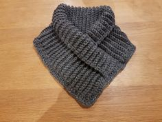 Crochet Scarves, Knit Crochet, Neck Warmer, Double Crochet, Diy Clothes, Knitted Hats, Knitting, Handmade, Accessories