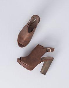 Sandália de salto alto abotinada fivela | Nova Coleçâo | SAPATOS | SHOP ONLINE SUITEBLANCO.COM
