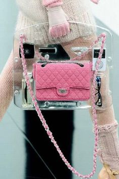 Chanel pink: all the necesities are there to pick up every easily Chanel Wallet, Chanel Purse, Chanel Handbags, Luxury Handbags, Purses And Handbags, Chanel Pink, Cheap Handbags, Popular Handbags, Cheap Purses