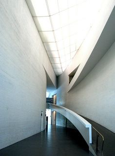 This is the Helsinki Museum of Contemporary Art, also known as the Kiasma. It was designed by the contemporary American architect Steven Holl and built between 1992 and This is the view from the entry foyer. Visit Helsinki, Steven Holl, Cultural Architecture, Museum Of Contemporary Art, Entry Foyer, American, Finland, Building, Design