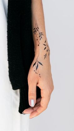cool wrist tattoo designs and ideas for girls. cool wrist tattoo designs and ideas for girls. Botanicals by Lara Maju from Tattly Temporary Tattoos 24 Gorgeous Botanical Tattoos by Anna Botyk Tattoo Girls, Tattoo Designs For Girls, Tattoo Women, Wrist Tattoos For Women, Henna Tattoo Designs, Small Henna Designs, Flower Finger Tattoos, Cool Tattoos For Girls, Flower Wrist Tattoos