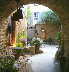 * Chic Provence  - would like a glass of very fine cab and some JGroban playing in the bkgnd while sitting here