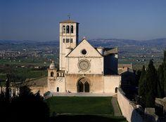 Basilica of St. Francis in Assisi: Upper Basilica and Square Basilica di San Francesco in Assisis: Basilica Superiore e Piazza