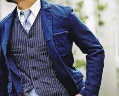 so pretty, i love his clothes.