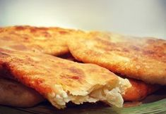 Τηγανόψωμο στο φούρνο Pita Recipes, Greek Recipes, Cooking Recipes, Greek Bread, Greek Appetizers, Eat Greek, Greek Sweets, Crepes, Greek Cooking