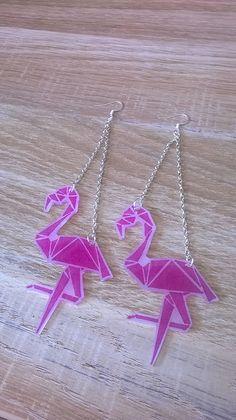 Boucles d'oreille flamand rose origami : Boucles d'oreille par magalily