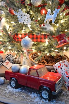Classic Cottage Christmas.  Red Black & White Ornaments, Buffalo Plaid and a Vintage Toy Truck Under The Tree!